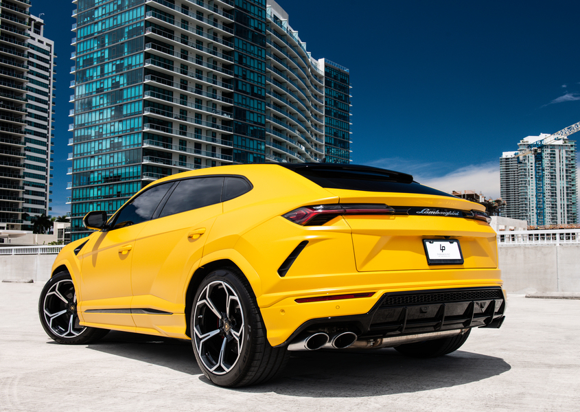 Lamborghini Urus for rent in Miami